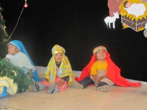 Alayna, Christian, and Abran prepare to star in the nativity scene