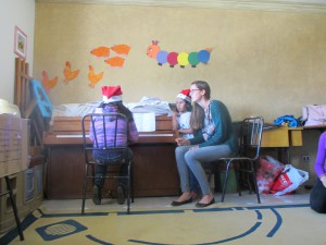 Tía Magdalena has been giving several of the girls piano lessons. Maiela and  Karina shared several Christmas tunes with us.